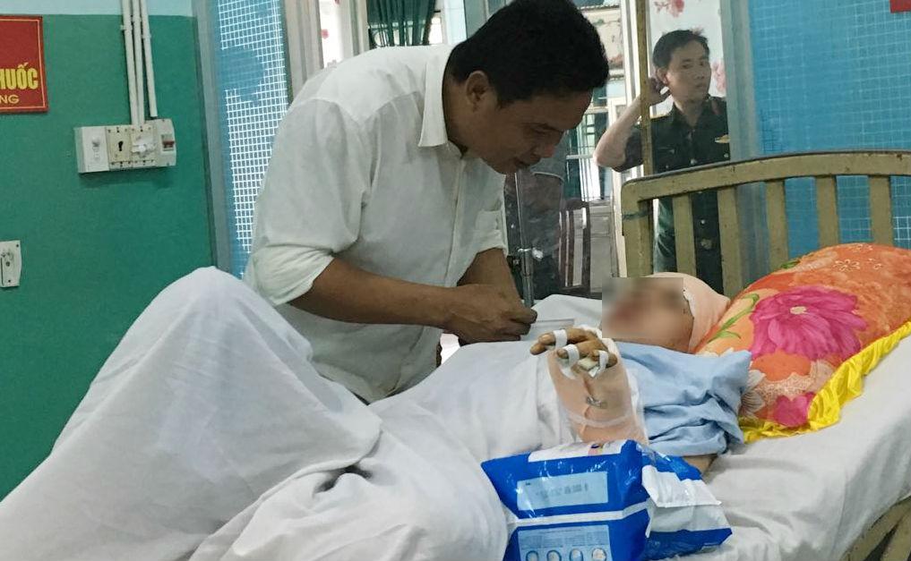 Chị Nguyễn Thị Mỹ Ch. đang điều trị ở bệnh viện Quân y 175