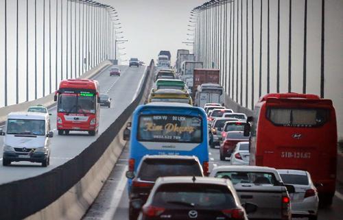Cầu Long Thành hiện có 2 làn xe, không có làn dừng khẩn cấp và là khu vực thường xảy ra ùn tắc. Ảnh: Thành Nguyễn.