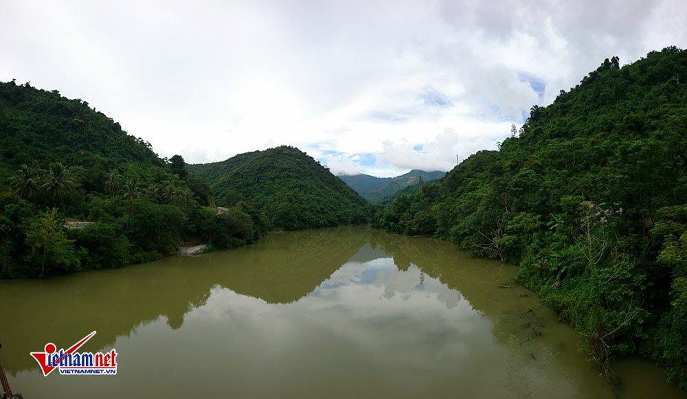 Đỉnh đồi Pù-Lôm - thánh địa ma túy một thời ở vùng biên Nghệ An
