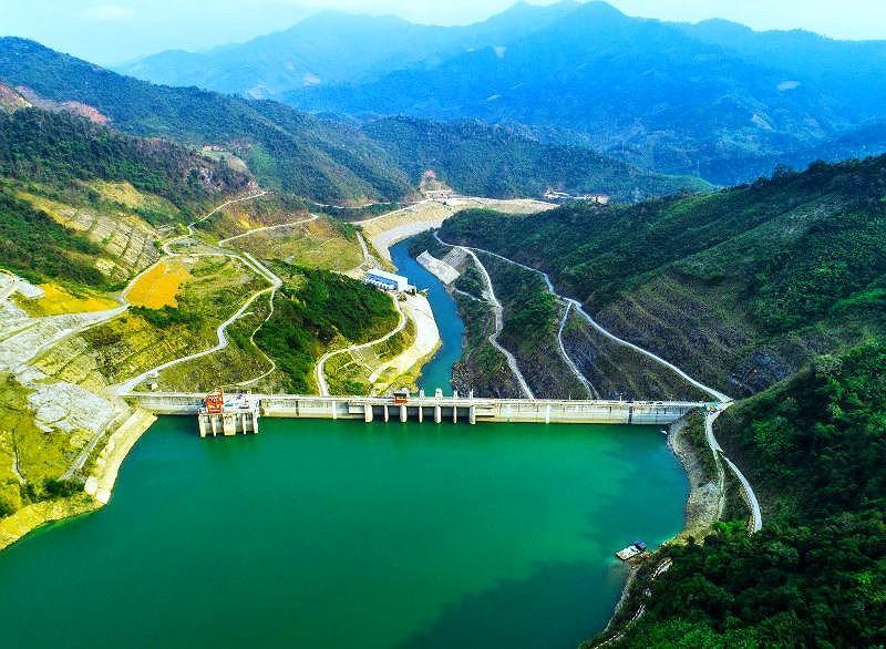 Công trình nhà máy thủy điện Bản Vẽ. Ảnh: Nguyễn Ngọc Nghĩa.