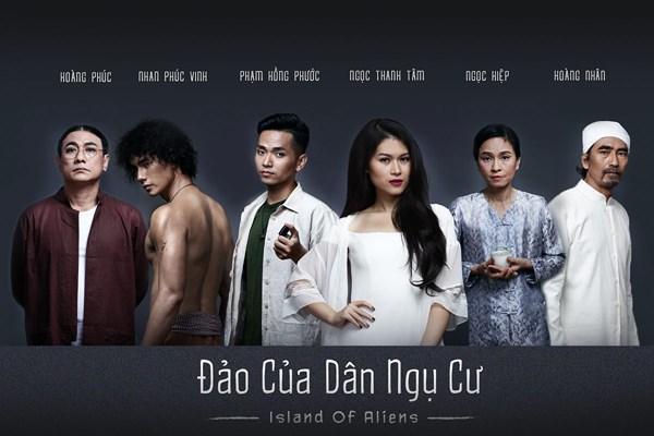 """Phim """"Đảo của dân ngụ cư"""" do Hồng Ánh làm đạo diễn."""