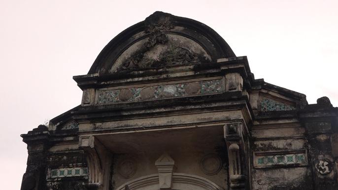 Công trình khu mộ mang kiểu kiến trúc Pháp