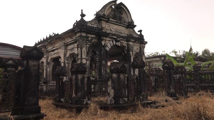 Phần mộ của 1 trong 2 người vợ của ông Ban Tới