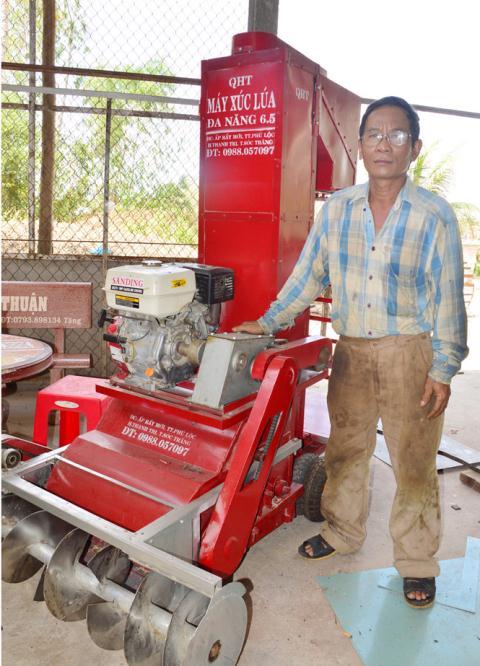 Nong dan Khmer hocche tao thanh cong may nong nghiep