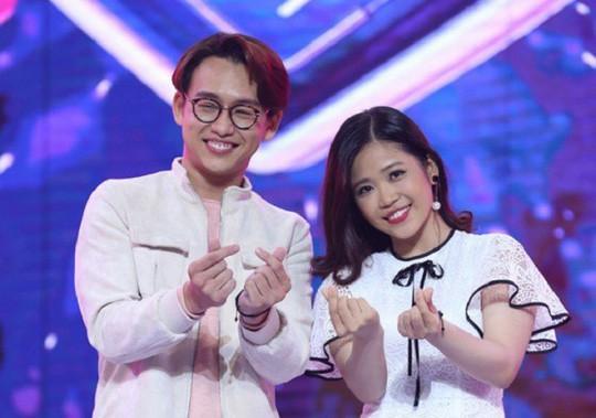 Cao Vy và MC Quang Bảo trong tập 9 của chương trình