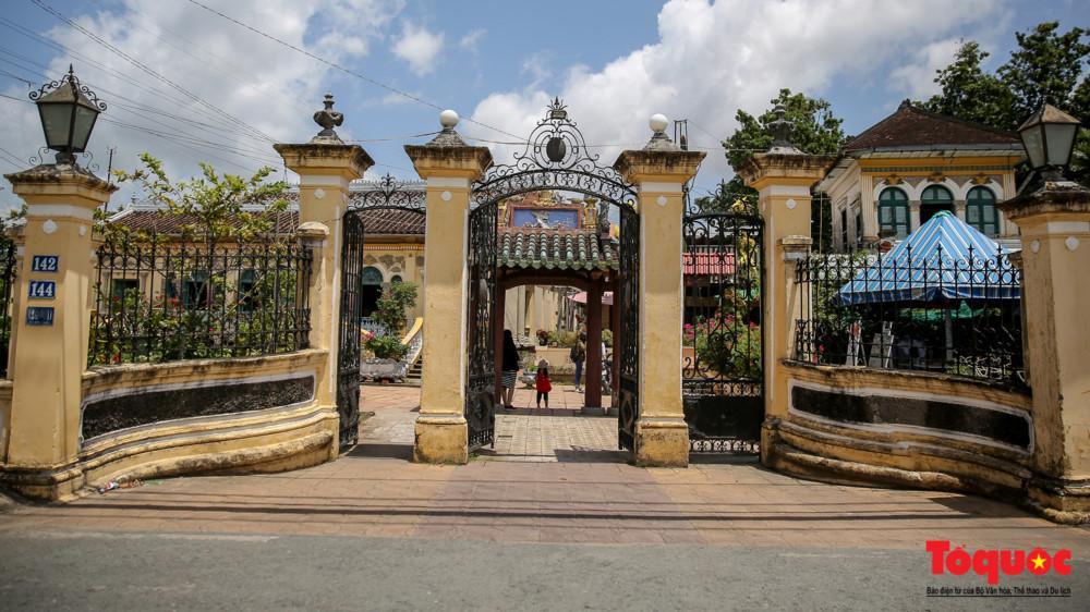 Nhà cổ Bình Thủy nằm trên đường Bùi Hữu Nghĩa phường Bình Thuỷ, quận Bình Thủy, thành phố Cần Thơ.