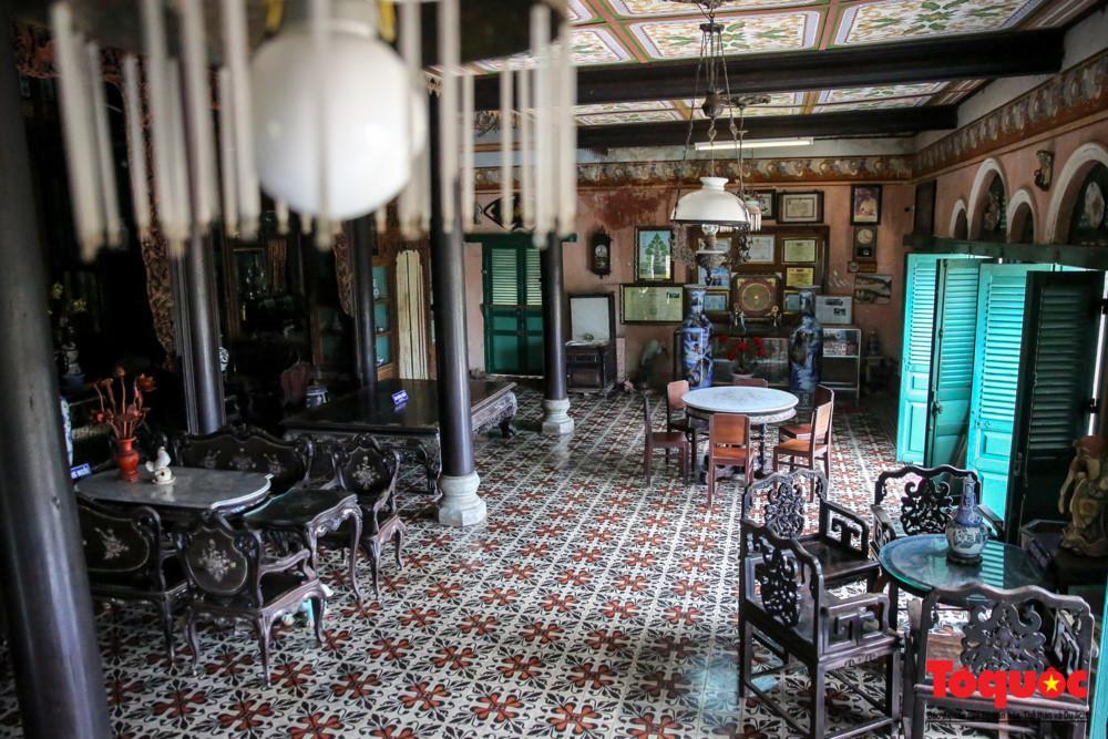 Nhà cổ Bình Thủy còn nổi tiếng là bối cảnh chính của nhiều bộ phim nổi tiếng như Những nẻo đường phù sa, Người đẹp Tây Đô, Nợ đời...
