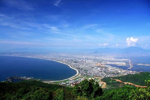 Đà Nẵng nhìn từ đèo Hải Vân