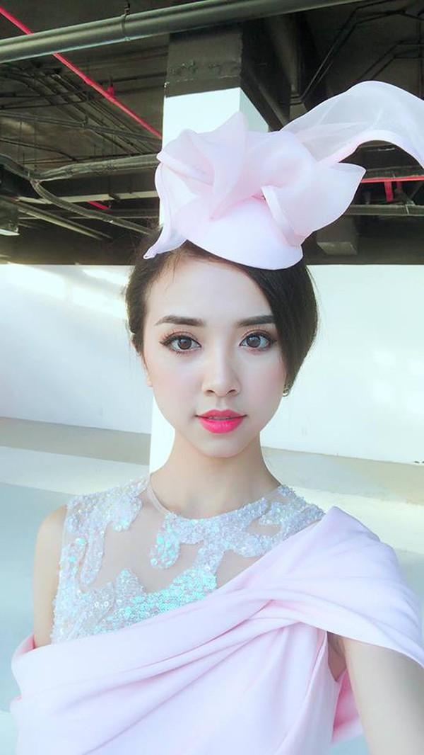 Một số hình ảnh xinh đẹp đời thường của Á hậu 2 Hoa hậu Việt Nam Thúy An.