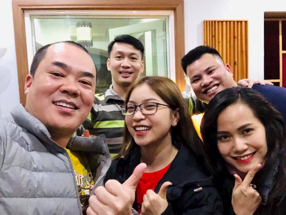 Nhật Lệ khoe ảnh hậu trường cùng diễn viên kiêm nhà sản xuất âm nhạc Trịnh Xuân Hảo -