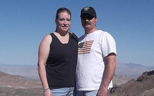 H.ung th.ủ cùng chồng Dennis Drum