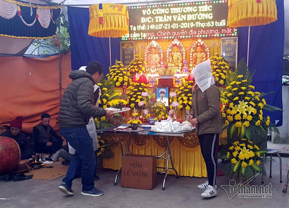 Tai nạn 8 người ch.ết: Chia đôi gia đình lo tang lễ anh em Trưởng Công an xã