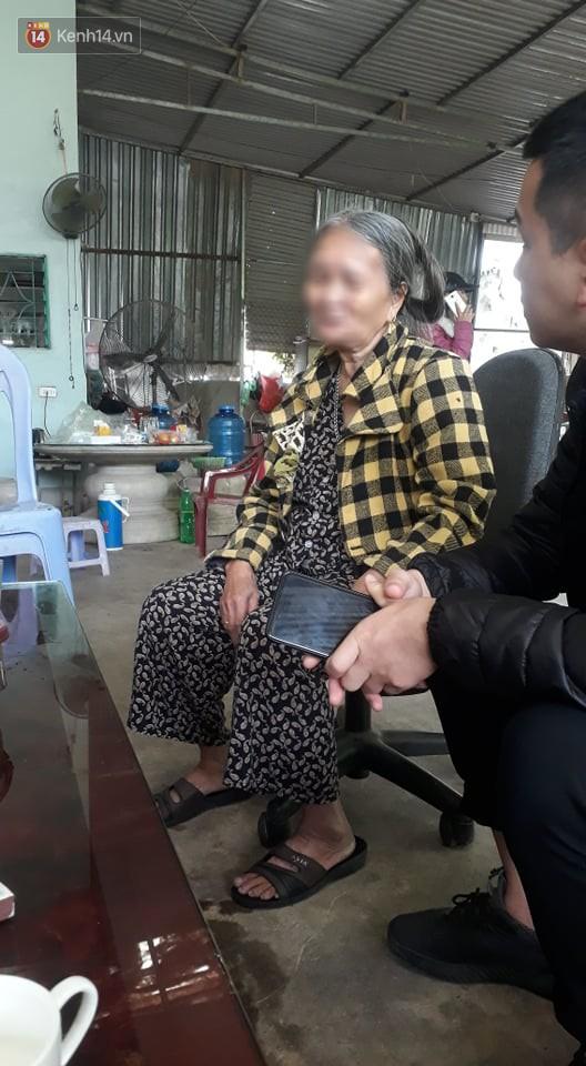 Bà nội nạn nhân đau lòng trước sự việc của cháu gái xấu số.