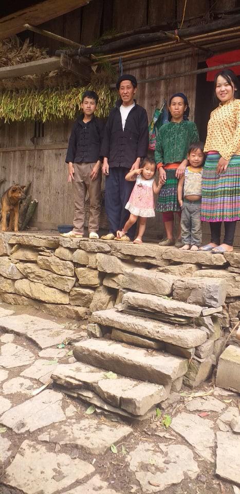 Mua Thị Chở là con thứ tư trong gia đình có 5 anh chị em.
