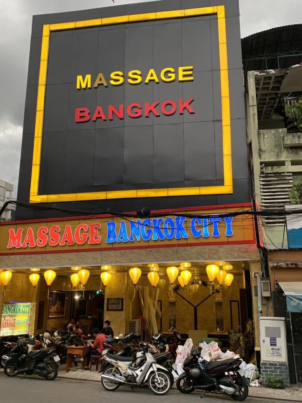 Công an kiểm tra ơ sở massage Bangkok city.