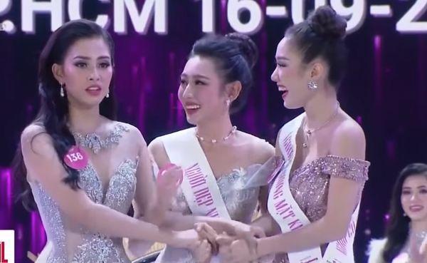 Từ trái sang: Trần Tiểu Vy - Nguyễn Thúc Thùy Tiên - Nguyễn Thị Hồng Tuyết