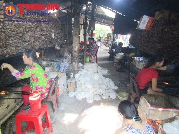 Đến huyện Tam Bình, tỉnh Vĩnh Long mà chưa thưởng thức bánh tráng giấy ấp Nhà Thờ (xã Tường Lộc) là chưa biết hết Tam Bình.