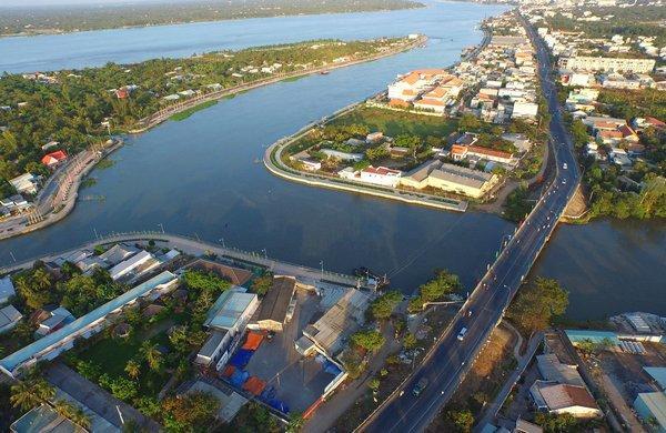 Cầu Cái Cam nối liền xã Trường An và Phường 9, TP Vĩnh Long
