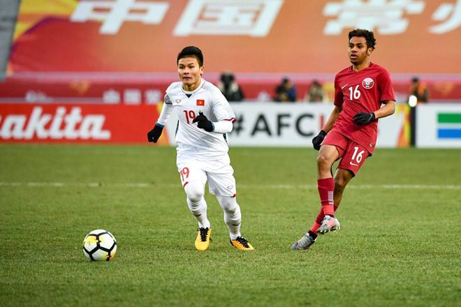 Dù có dáng người rất nhỏ bé nhưng Quang Hải đã thi đấu hơn 240 phút trong vòng 3 ngày ở hai trận tứ kết và bán kết