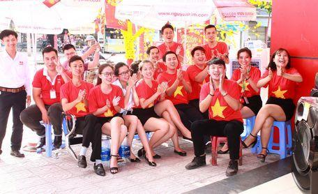 Hầu hết các cửa hàng điện máy đều sôi động trong không khí bóng đá. Đội hình thi đấu của U23 Việt Nam: