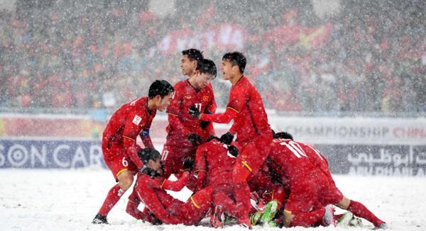 U23 Việt Nam hiện nay không chỉ là các chàng trai vàng của bóng đá nước nhà mà là chàng trai vàng của riêng các cô gái.