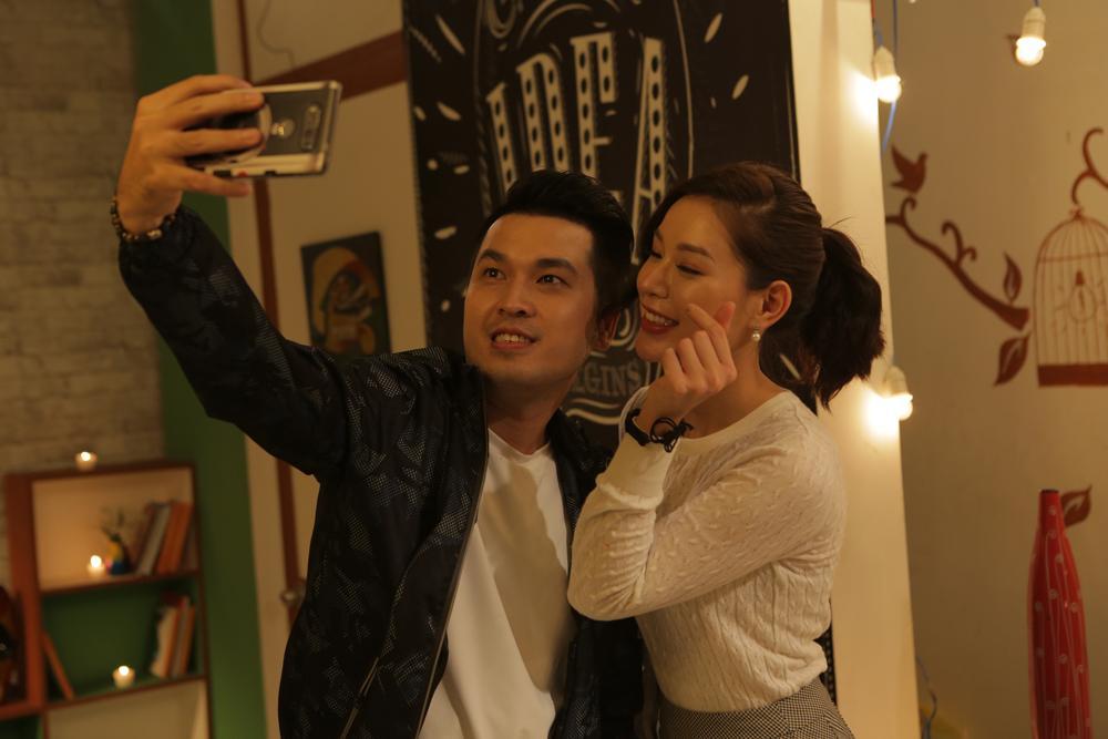 Giây phút vui vẻ của Lê Linh và Alex Huỳnh trong bữa tiệc cuối cùng.