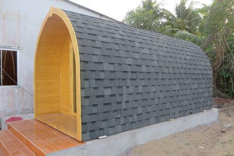 Căn nhà có nóc hình mái vòm.