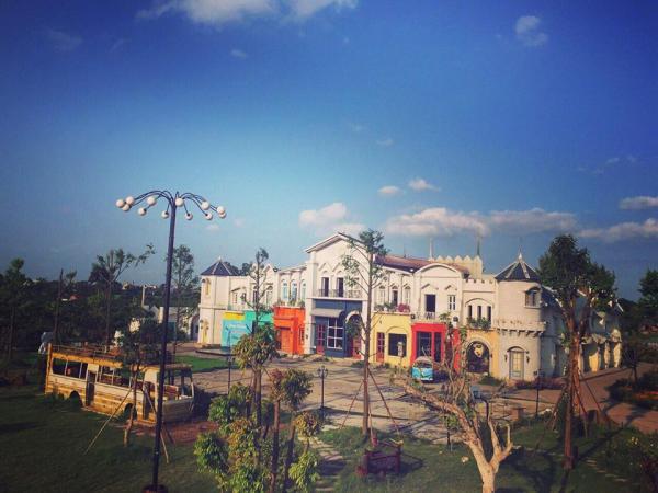 Khu du lịch sinh thái - điện ảnh Smiley Ville – Hà Nội