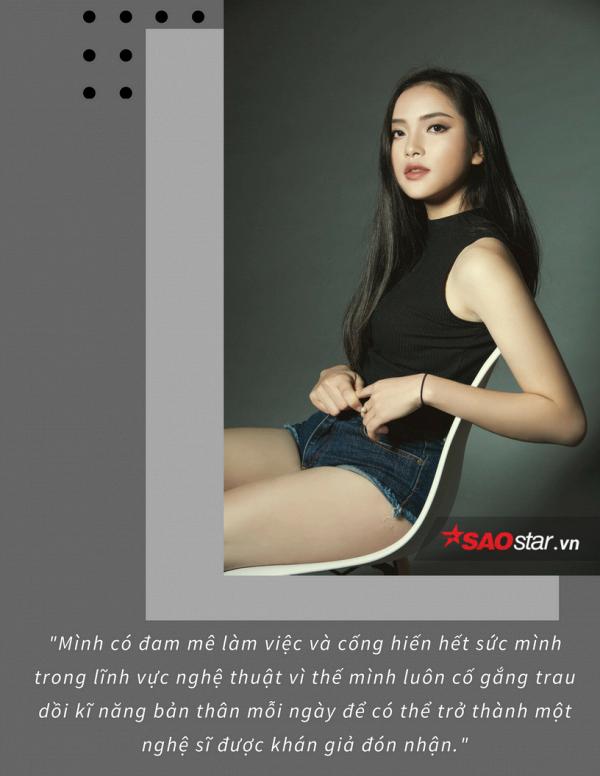 Cô gái 19 tuổi hiện đang là một cá tính nổi bật trong giới trẻ, khi vừa sở hữu gương mặt thu hút, vừa có đam mê lớn với âm nhạc và hiện đang theo học hai trường liên quan đến lĩnh vực này.