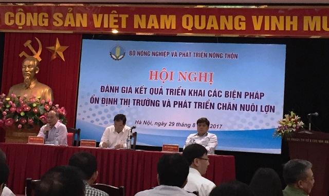 Bộ Nông nghiệp và phát triển nông thôn đã tổ chức Hội nghị đánh giá kết quả triển khai các biện pháp ổn định thị trường và phát triển chăn nuôi lợn. Ảnh: H.V