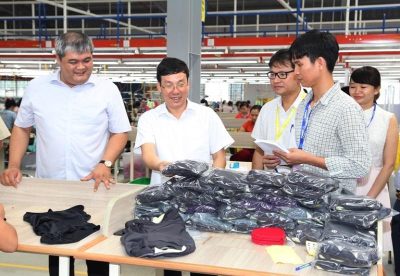 Cty TNHH FWKK Việt Nam tại xã Triệu Đề, huyện Lập Thạch đã tạo việc làm và thu nhập ổn định cho hàng ngàn lao động tại địa phương.