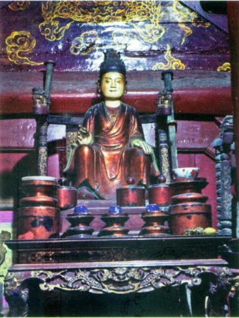 Pho tượng Nữ tướng Lê Ngọc Trinh tại cụm di tích xã Lũng Hòa (Vĩnh Tường - Vĩnh Phúc)