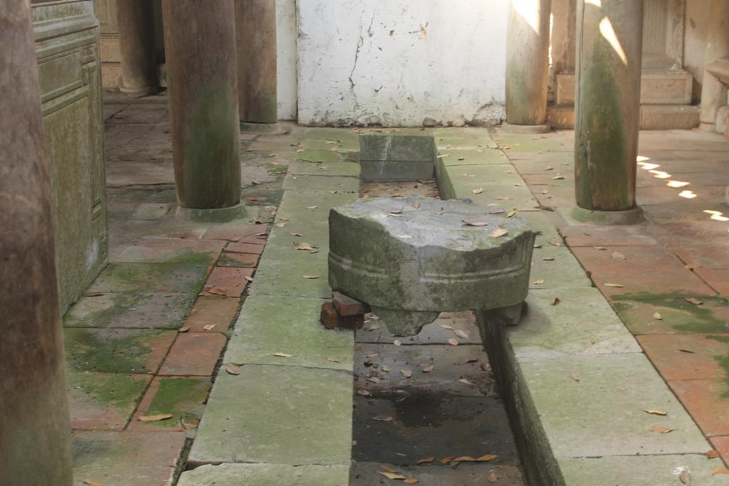 Đá dùng xây dựng đền