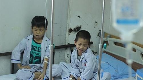 Các em nhỏ đều rất buồn vì không được đến trường khai giảng cùng các bạn.
