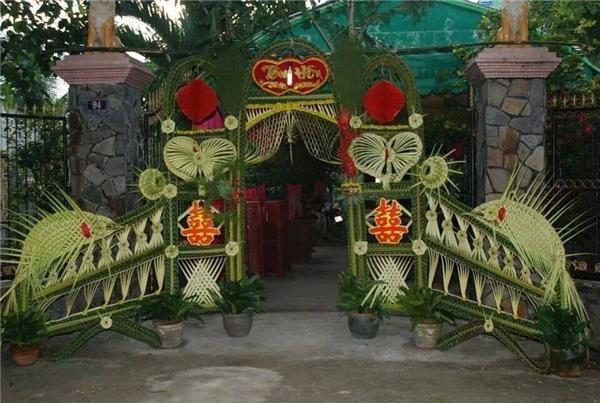 Nói thật đi, có thích chụp hình với chiếc cổng cưới tinh xảo thế này không?