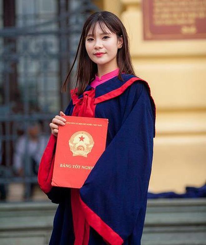 Chân dung nữ thủ khoa tốt nghiệp với số điểm tuyệt đối của Học viện Tài chính (Hà Nội).