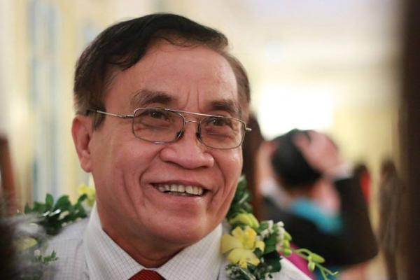 Thầy Lê Hữu Phúc, giáo viên Trường THPT Cao Lãnh, tỉnh Đồng Tháp, từ năm 2010 đến nay có 5 sáng kiến nâng cao chất lượng dạy học môn Lịch sử được ngành giáo dục tỉnh xếp loại A