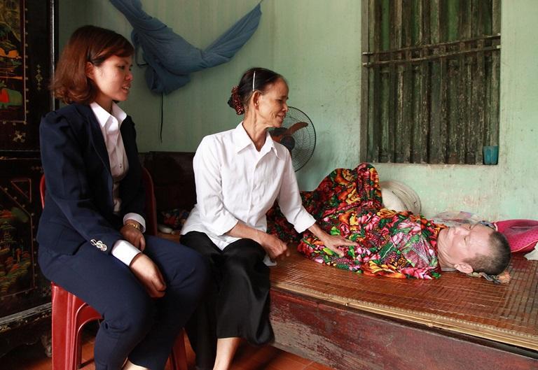 Gia đình ông Dương Quang Phúc rất cần sự sẻ chia của cộng đồng để vượt qua khó khăn. Ảnh: Khánh Linh