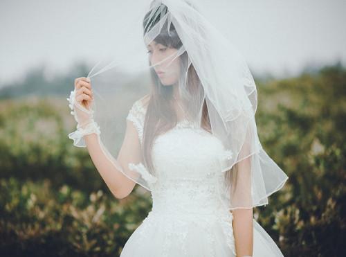 Kết thúc cuộc hôn nhân khi mới ở tuổi 20.