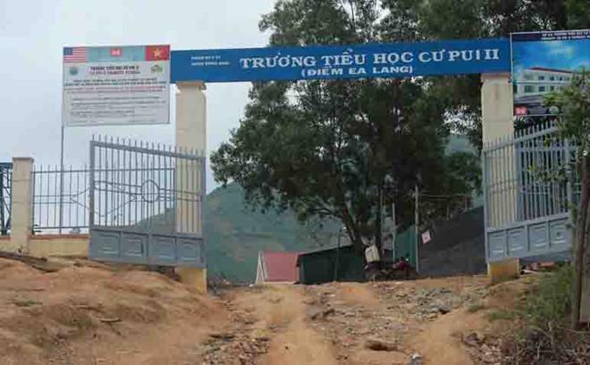 Trường Cư Pui nơi có các học sinh mắc bệnh lạ. Ảnh: Minh Quý.