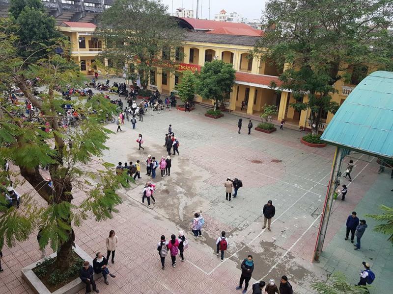 Bà S và nhóm người lạ mặt đã xông vào khuôn viên trường đúng ngày hội khoẻ Phù Đổng để tìm cô Y