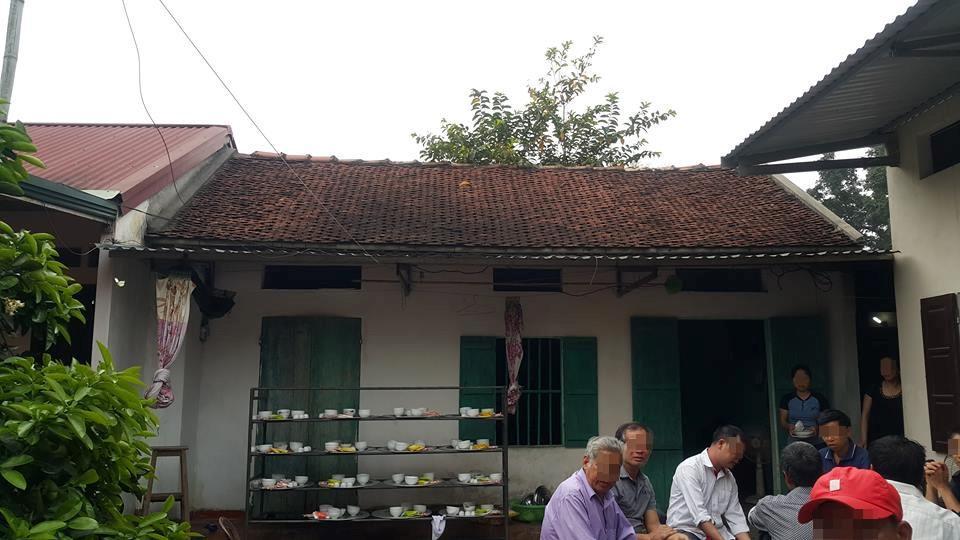 Căn nhà mà ba mẹ con H. sinh sống.