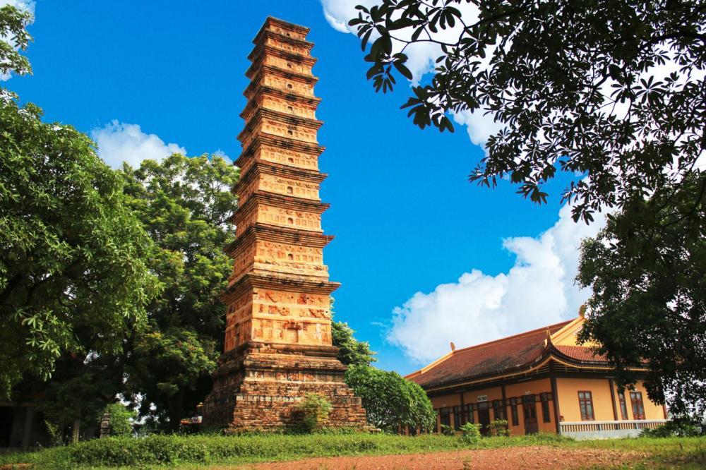 Hình ảnh tháp Bình Sơn. (Ảnh: kyluc.vn)