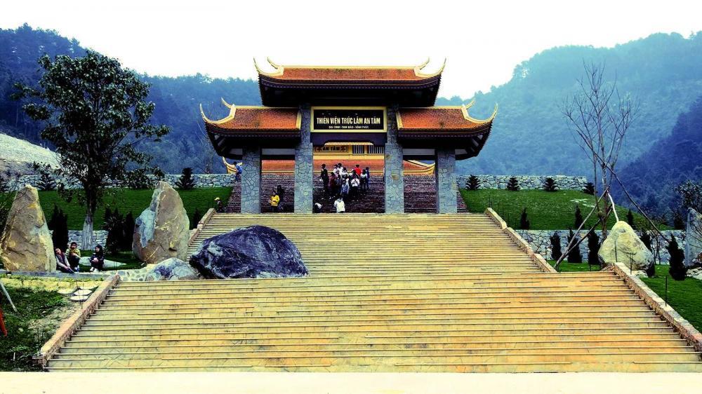Cổng Thiền Viện. (Ảnh: haytravel.vn)