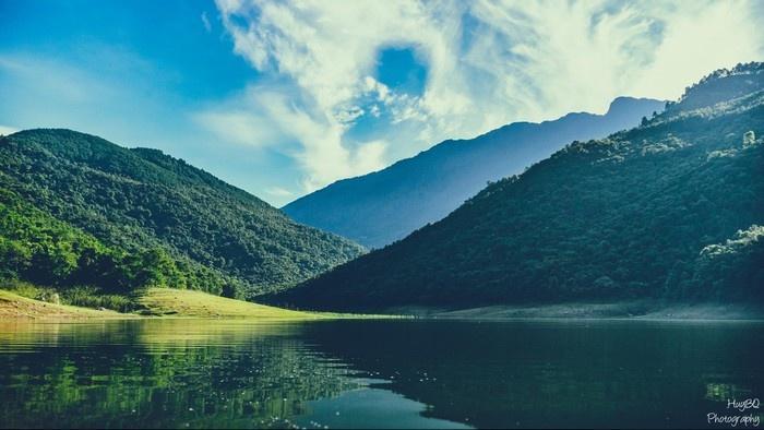 """Hồ Xạ Hương được bao người ví von như """"nàng tiên của đất Tam Đảo"""". (Ảnh: Bùi Quang Huy)"""