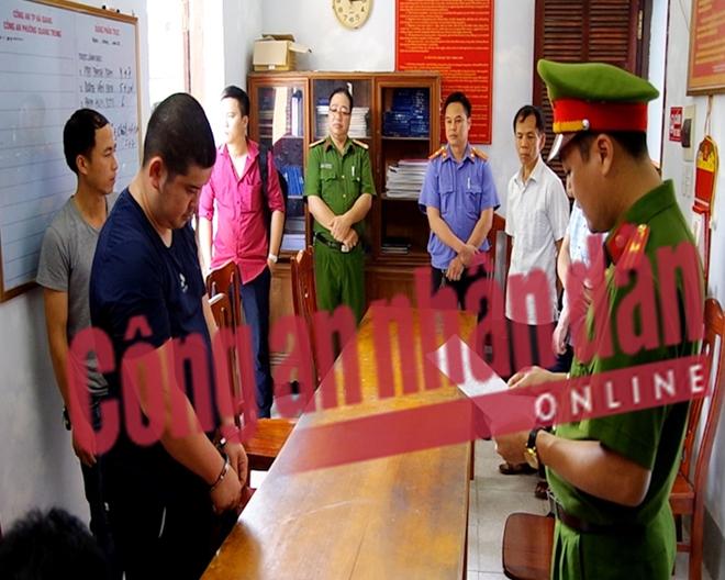 Cơ quan điều tra đọc lệnh bắt Phạm Hồng Giang.