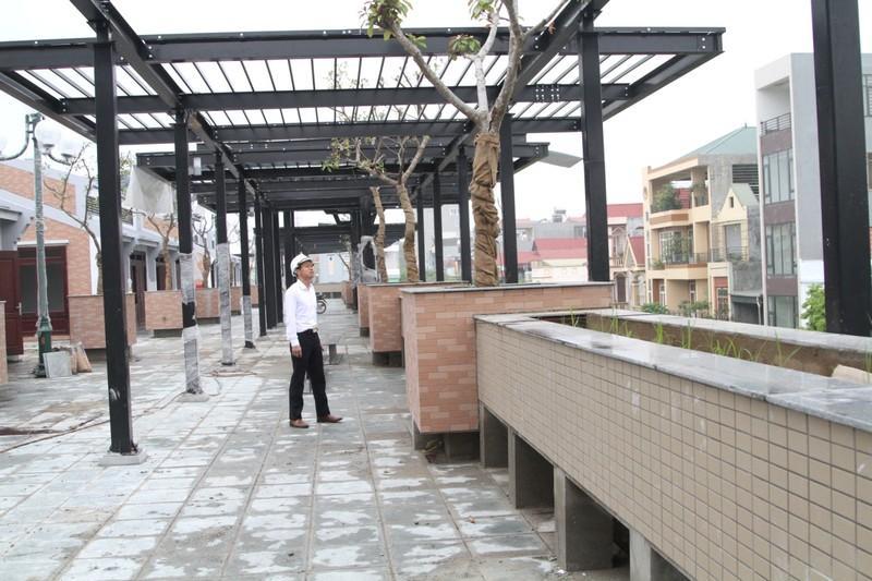 Cây xanh và hệ thống chiếu sáng được đầu tư xây dựng hiện đại trên khu ẩm thực của chợ Vĩnh Yên