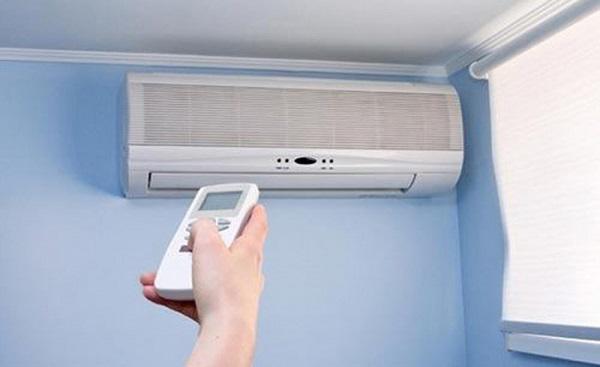 Việc bật, tắt điều hòa liên tục vừa tốn điện lại nhanh khiến điều hòa hỏng hóc.