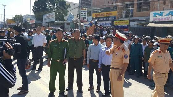 Lực lượng chức năng có mặt để điều tra nguyên nhân vụ tai nạn