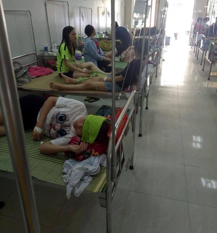 Hiện, các sinh viên đang được điều trị tại bệnh viện Đa khoa Phúc Yên và tình hình sức khỏe có những tiến triển tốt.